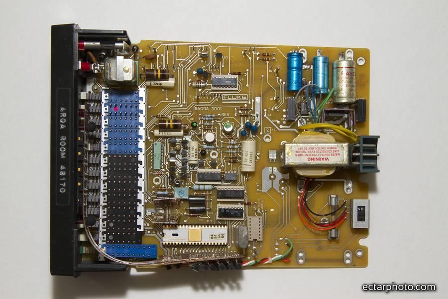 Fluke 8600A terdown and repair main board top