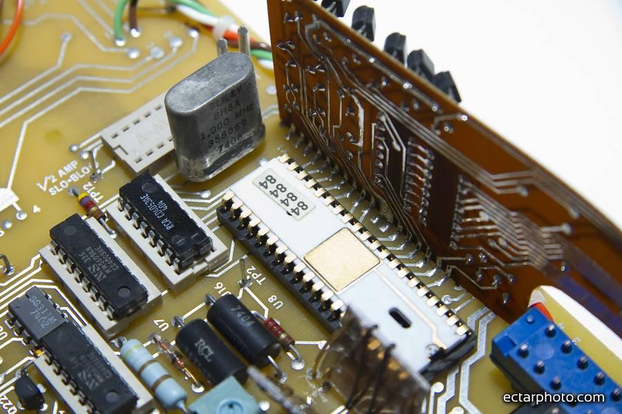 Fluke 8600A terdown and repair, quartz resonator corrosion